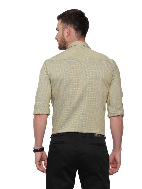 Gold Semi Casual Regular tailored solid shirt